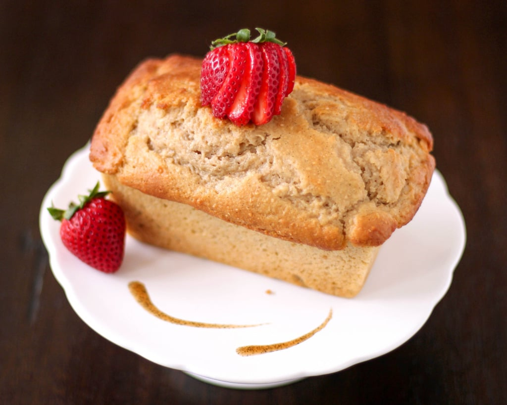 Healthy Whole Wheat Vanilla Bean Pound Cakes recipe (low fat, low sugar, high protein) - Healthy Dessert Recipes at Desserts with Benefits