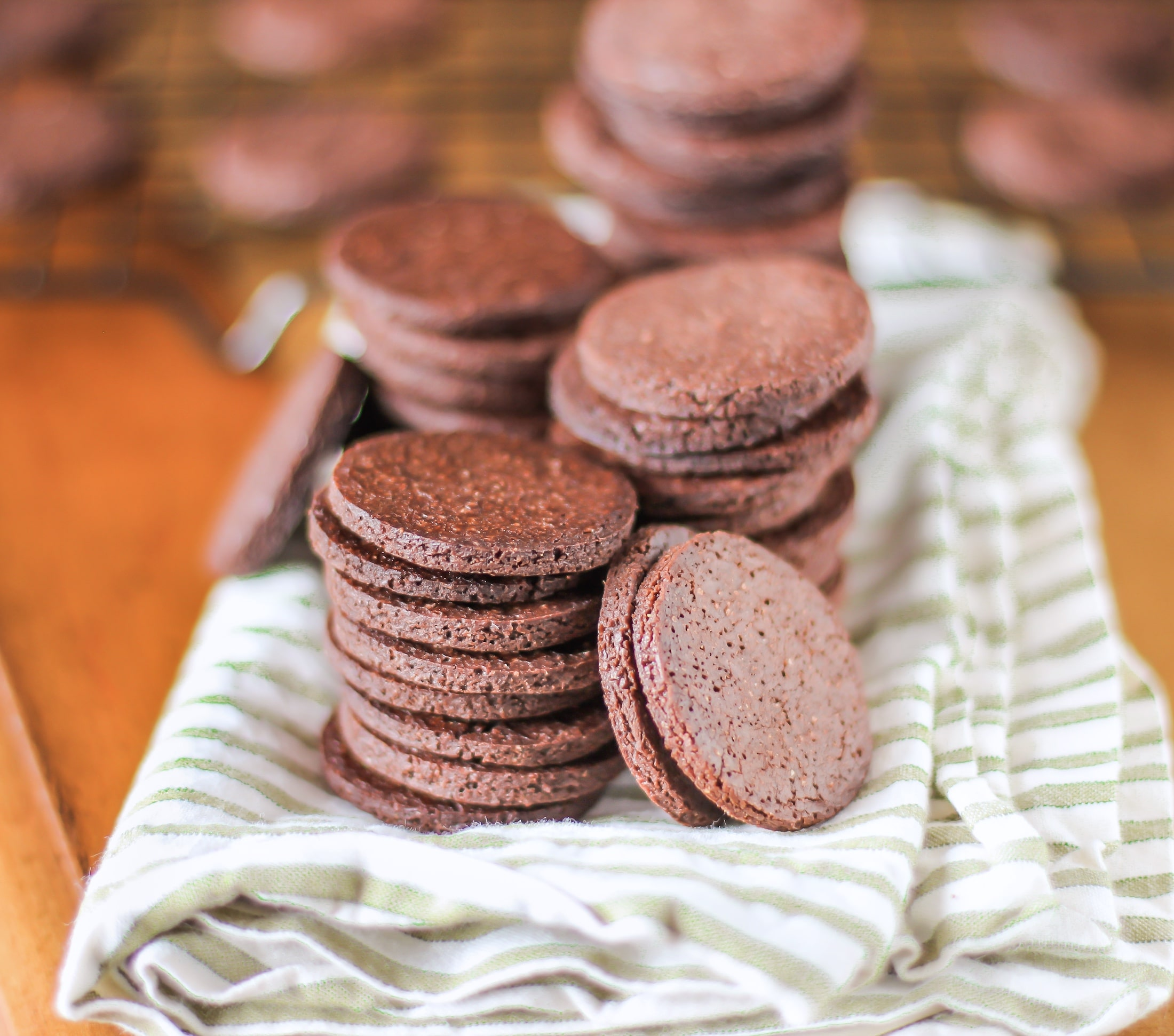 Healthy Chocolate Quinoa Crackers - Desserts With Benefits