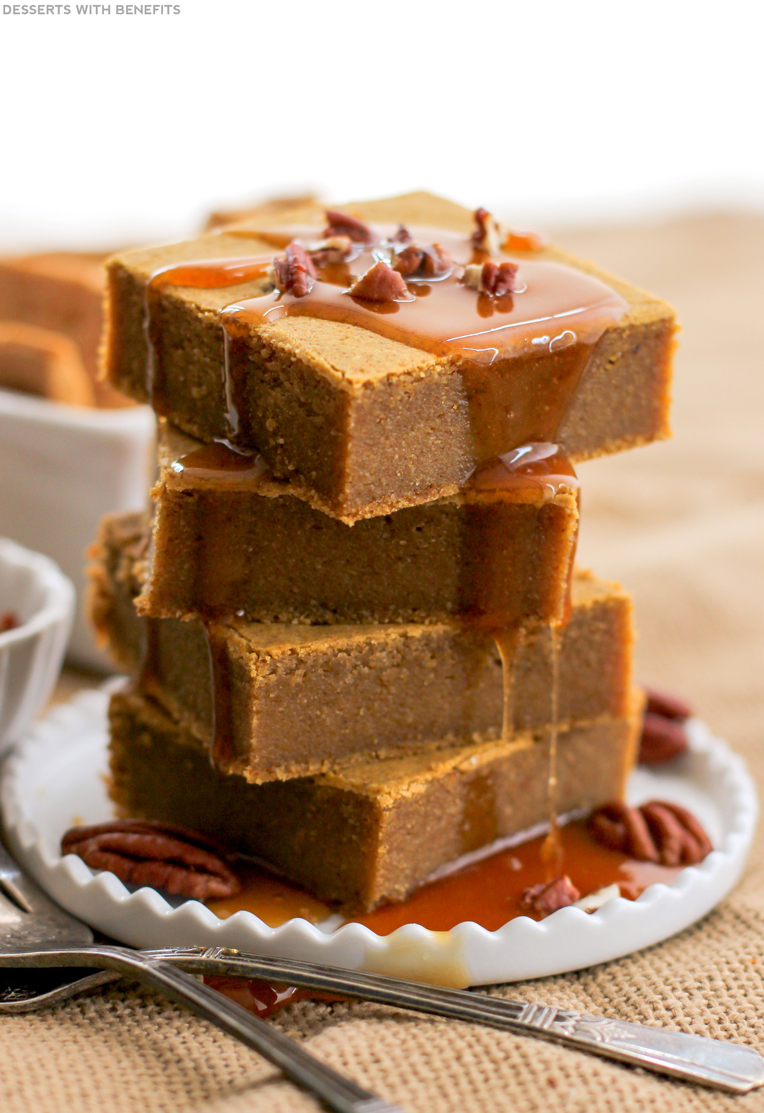 Healthy Pumpkin Blondies (sugar free, high fiber, gluten free, vegan) - Healthy Dessert Recipes at Desserts with Benefits