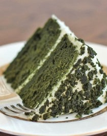 Green Velvet Cake for St. Patrick