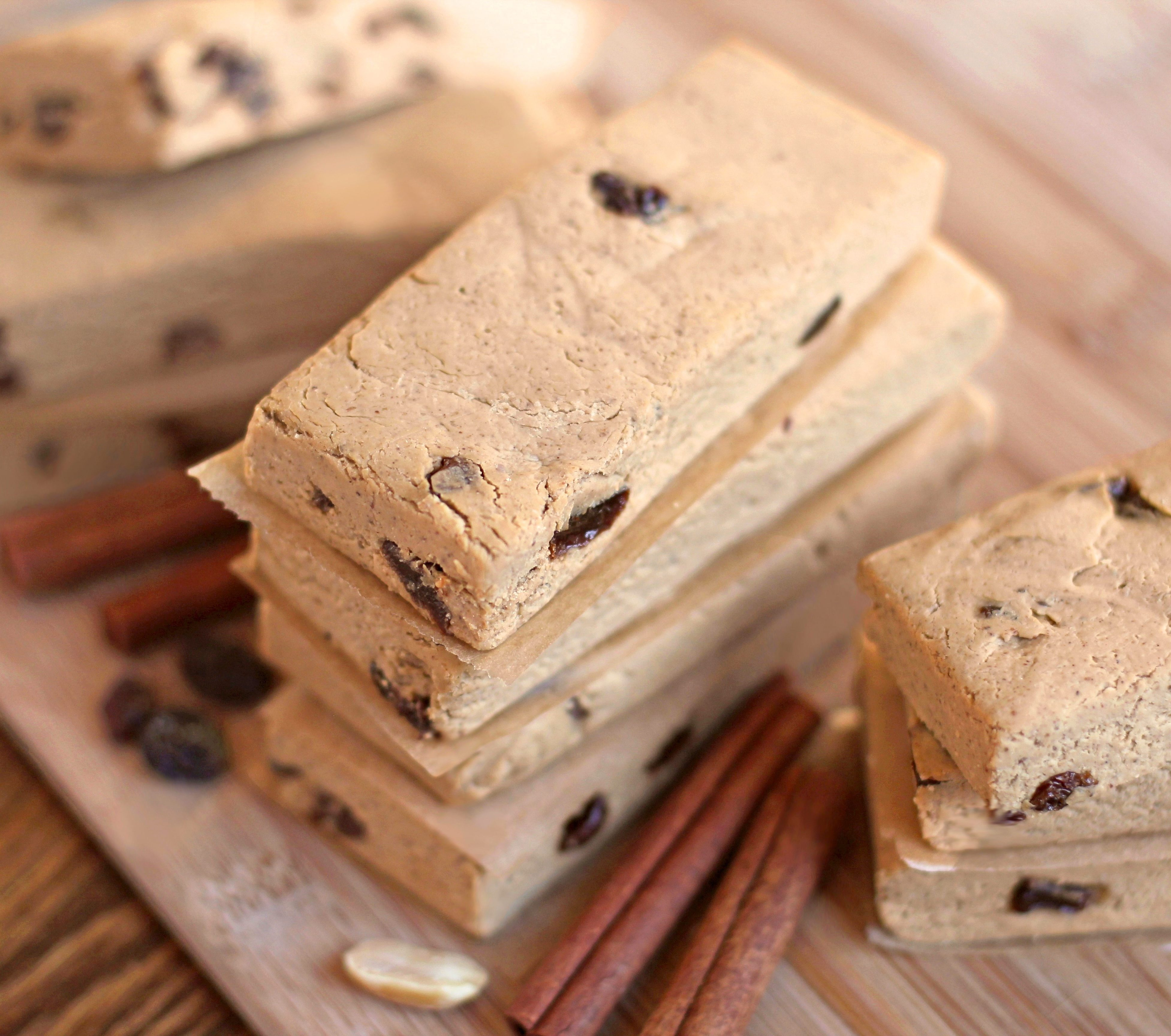 Healthy Cinnamon Raisin Peanut Butter Protein Bars recipe (low sugar, high protein, gluten free, dairy free, vegan) - Healthy Dessert Recipes at Desserts with Benefits