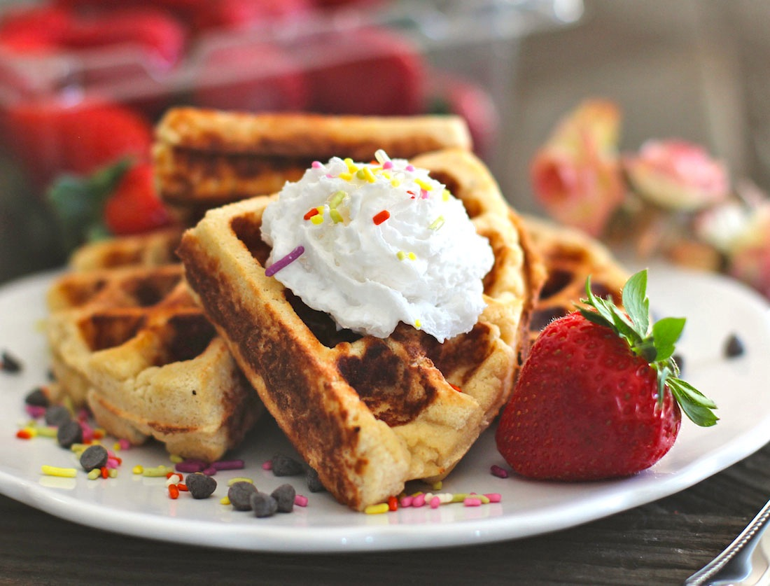 Healthy Low Carb Gluten Free Waffles (sugar free, low fat)