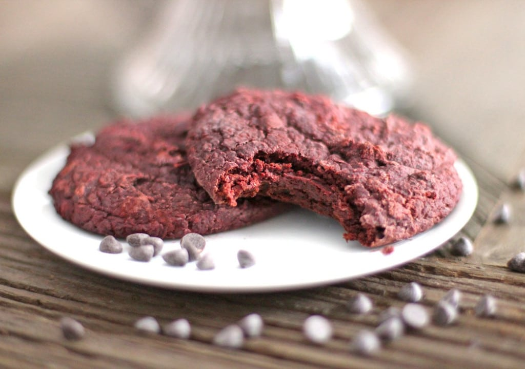 Healthy Red Velvet Gooey Butter Cookies (fudgy, gluten free and vegan!) - Healthy Dessert Recipes at Desserts with Benefits