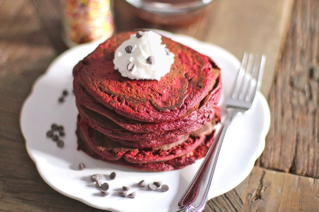 Healthy Red Velvet Pancakes (all natural) - Healthy Dessert Recipes