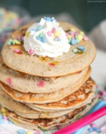 Healthy Funfetti Pancakes (all natural, refined sugar free, low fat, high protein, high fiber, gluten free and dairy free) - Healthy Dessert Recipes at Desserts with Benefits