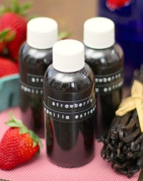 Homemade Strawberry Vanilla Extract (fat free, sugar free, low carb, gluten free, vegan) - Healthy Dessert Recipes at Desserts with Benefits