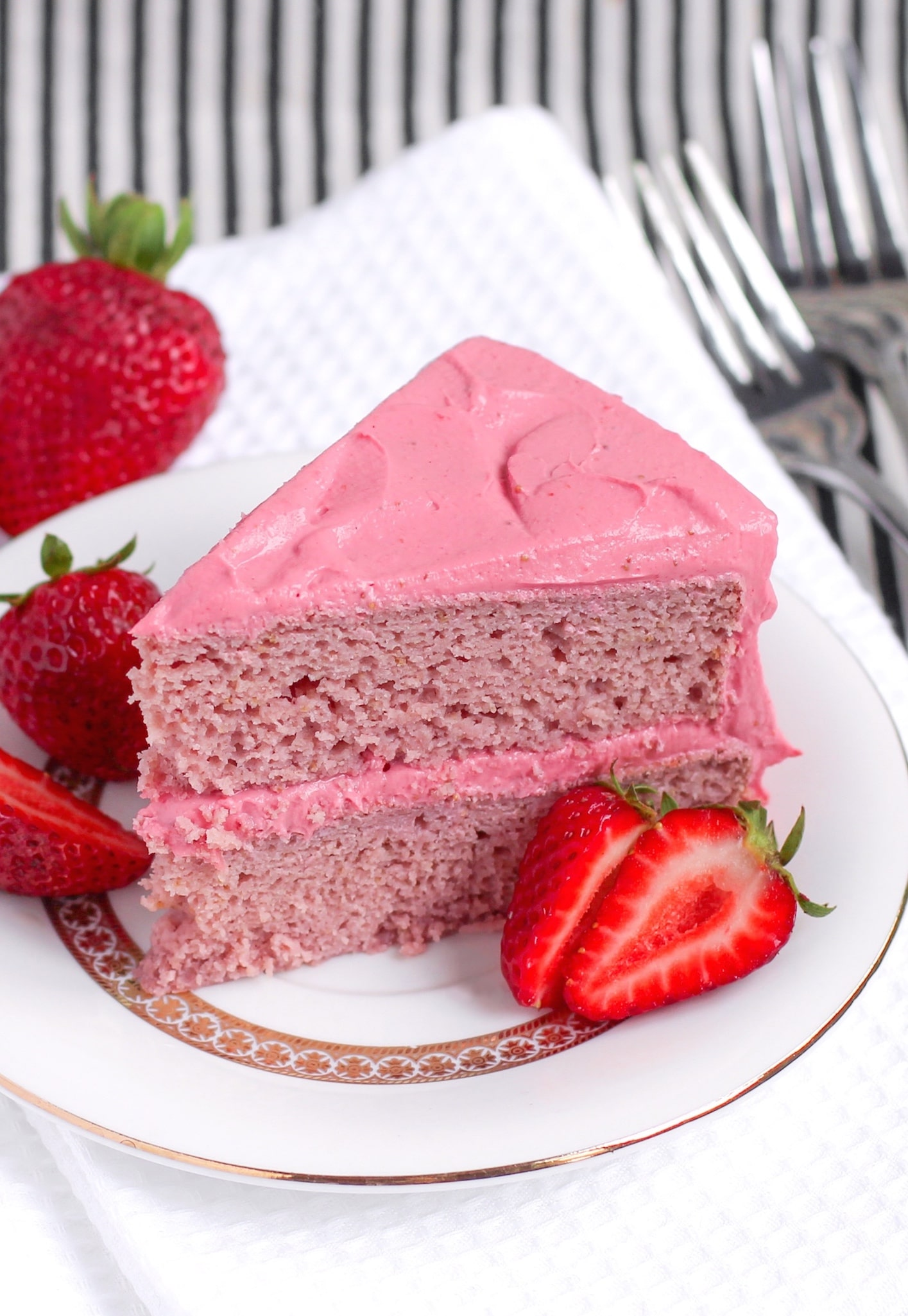 Organic Strawberry Cake Recipe