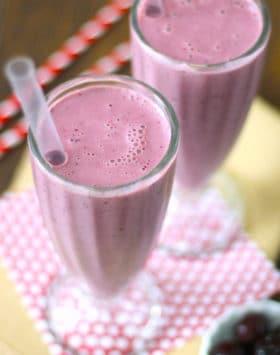 Healthy Cherry Milkshake (sugar free, low fat, high protein) - Healthy Dessert Recipes at Desserts with Benefits