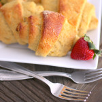 Healthy Homemade Low Carb and Gluten Free Crescent Rolls (sugar free, low fat, high fiber, high protein) - Healthy Dessert Recipes at Desserts with Benefits