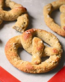 Healthy Homemade Low Carb and Gluten Free Soft Pretzels (sugar free, low fat, high fiber, high protein) - Healthy Dessert Recipes at Desserts with Benefits