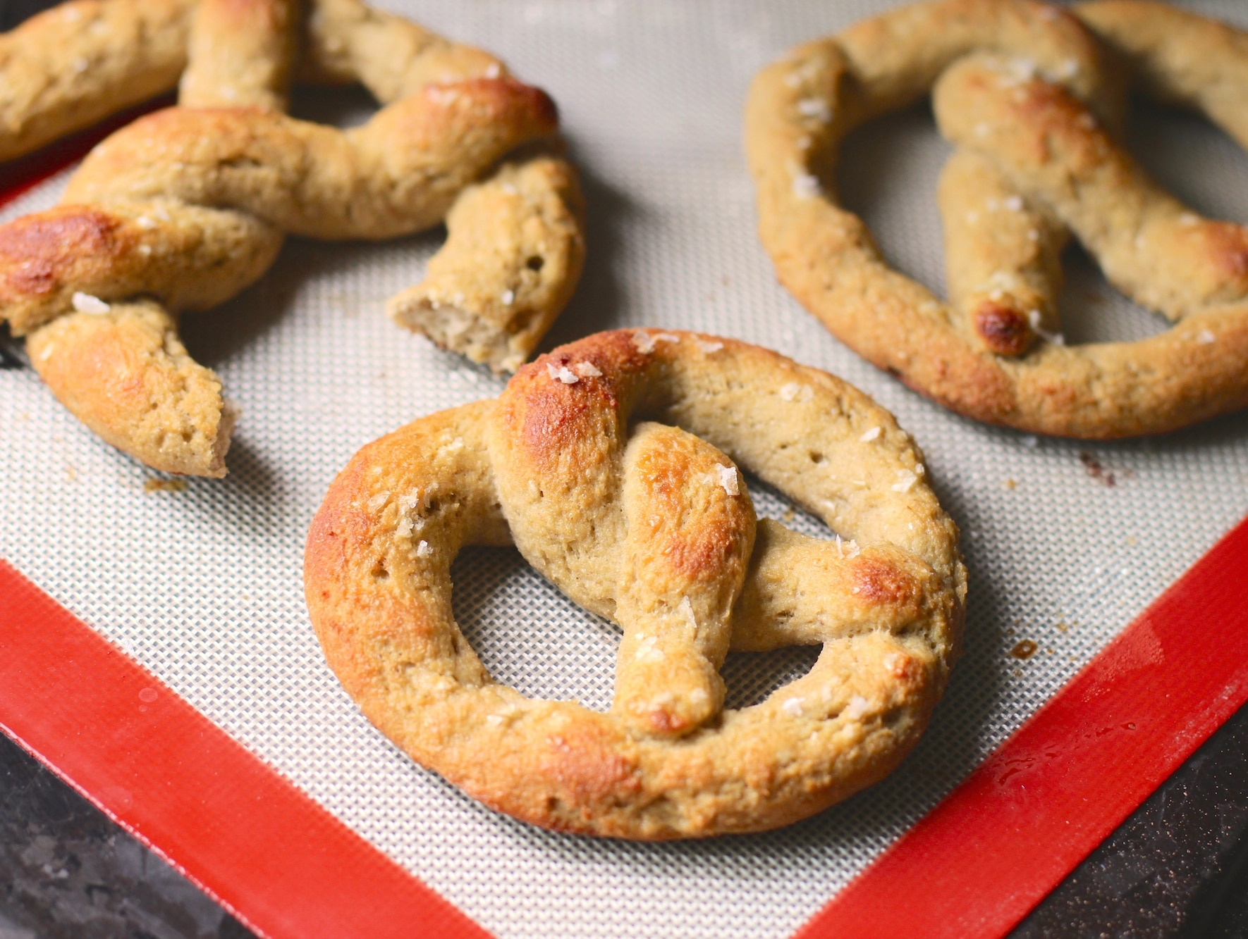 Healthy Homemade Low Carb and Gluten Free Soft Pretzels