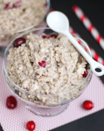 Healthy Cranberry Oatmeal recipe (refined sugar free, gluten free, vegan) - Desserts with Benefits