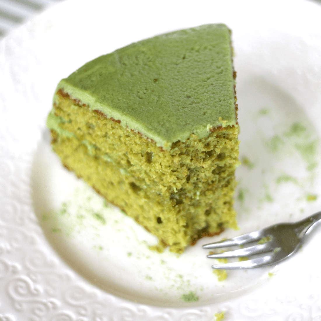 Healthy Matcha Green Tea Cake recipe (whole wheat, high protein) - Desserts with Benefits