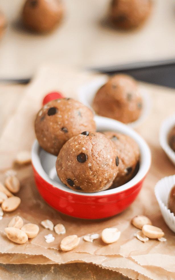 Healthy No-Bake Chocolate Chip Peanut Butter Cookie Dough Energy Bites (no sugar added, gluten free, dairy free, vegan) - Desserts with Benefits