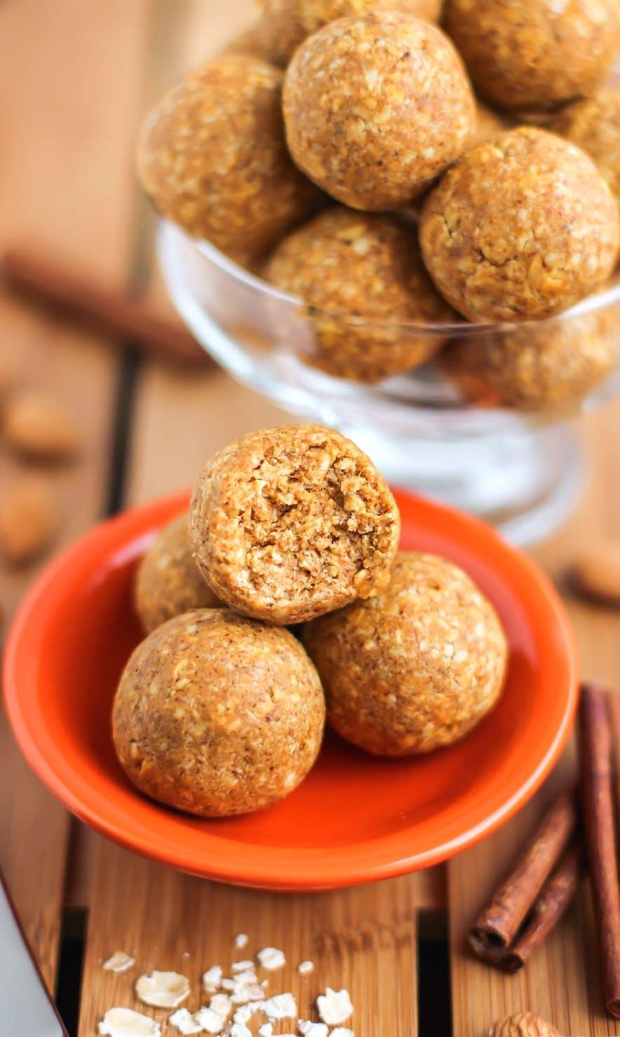 Healthy Pumpkin Pie Energy Bites (no bake, refined sugar free, gluten free, dairy free, vegan) - Desserts with Benefits
