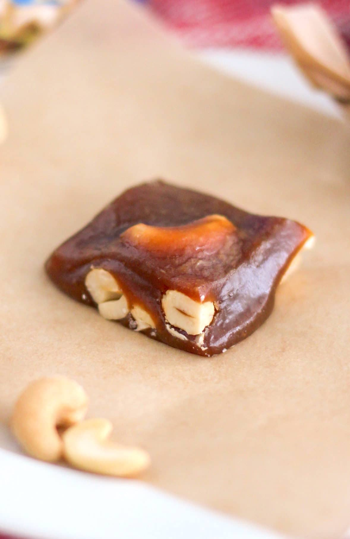 Homemade Decadent Cashew Caramels (refined sugar free, dairy free, vegan) - Healthy Dessert Recipes at Desserts with Benefits