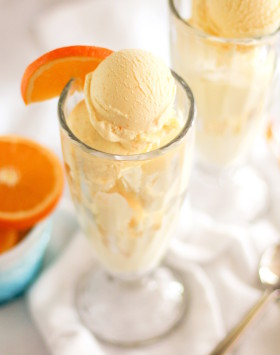 Healthy Orange Creamsicle Ice Cream (refined sugar free, low carb, high protein) - Healthy Dessert Recipes at Desserts with Benefits
