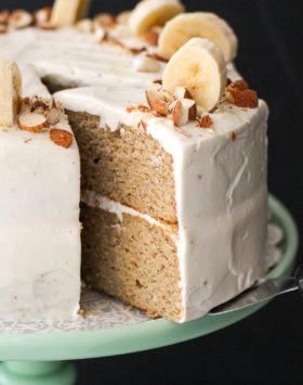 Healthy Banana Cake with Cream Cheese Frosting (refined sugar free, high protein, high fiber, gluten free) - Healthy Dessert Recipes at Desserts with Benefits