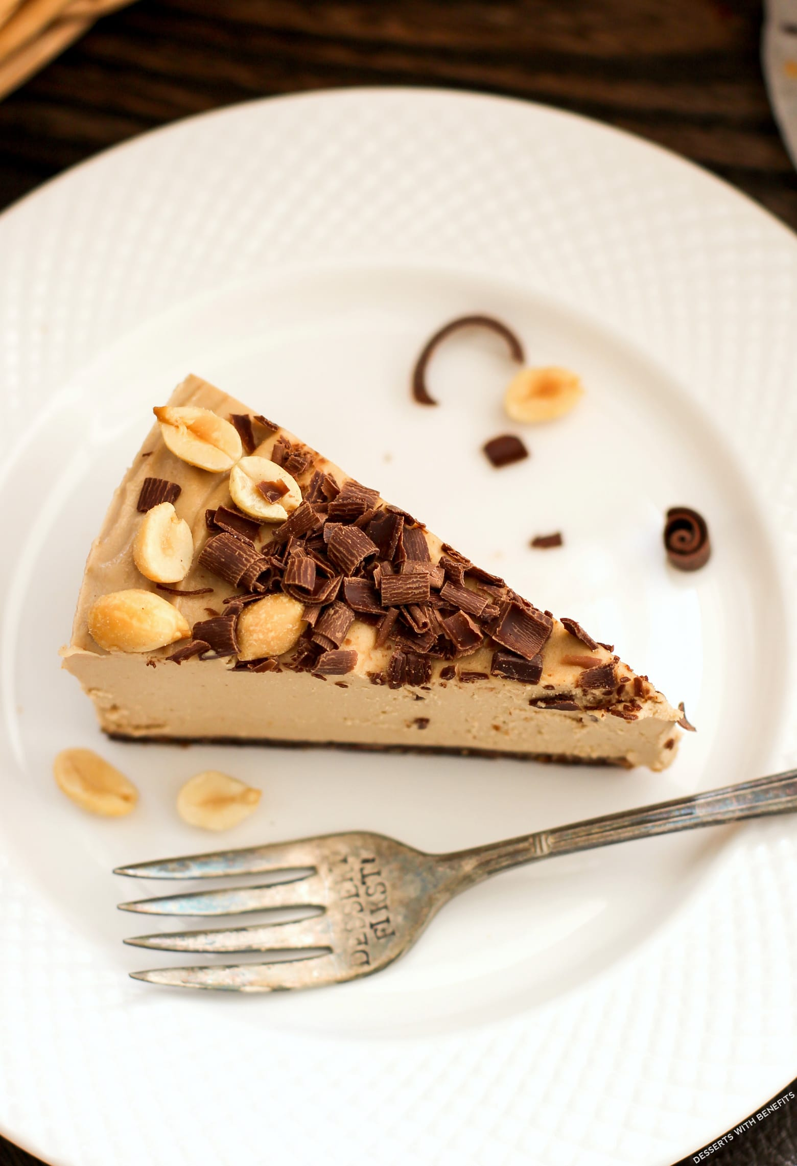 Healthy Chocolate Peanut Butter Raw Cheesecake (no bake, low sugar, high protein, high fiber, gluten free, dairy free, vegan) - Healthy Dessert Recipes at Desserts with Benefits