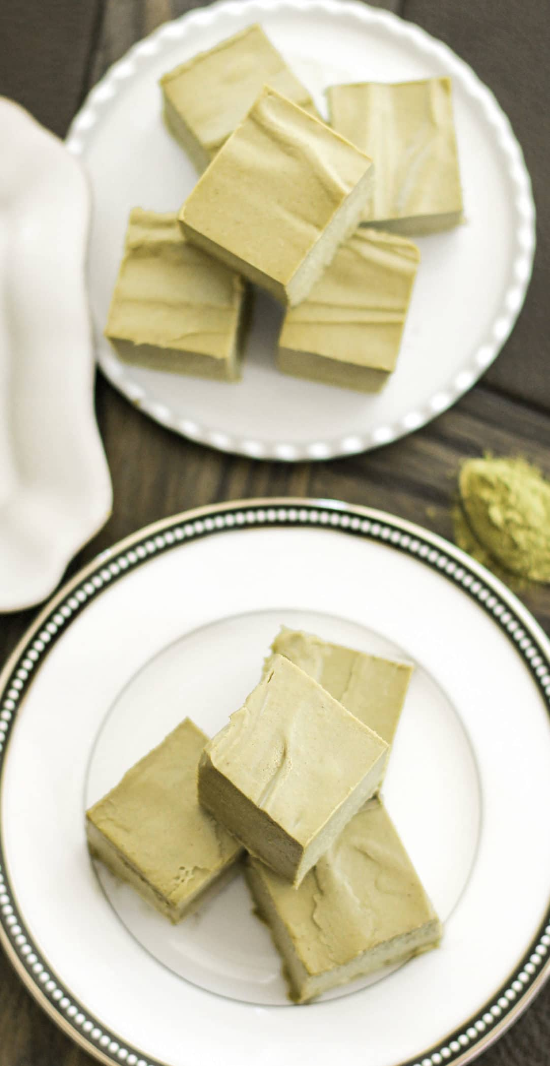 Healthy Raw Matcha Green Tea Fudge (no bake, sugar free, low carb, gluten free, dairy free, vegan) - Healthy Dessert Recipes at Desserts with Benefits