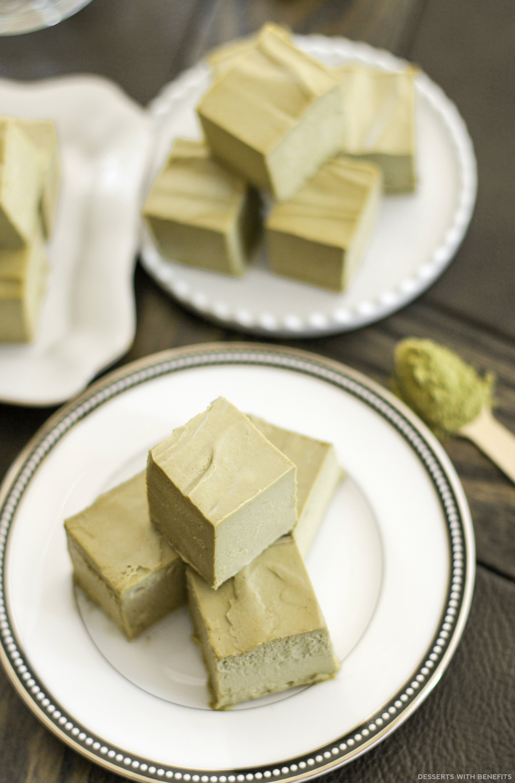 Healthy Raw Matcha Green Tea Fudge (no bake, sugar free, low carb, gluten free, dairy free, vegan) - Healthy Dessert Recipes at Desserts with Benefits