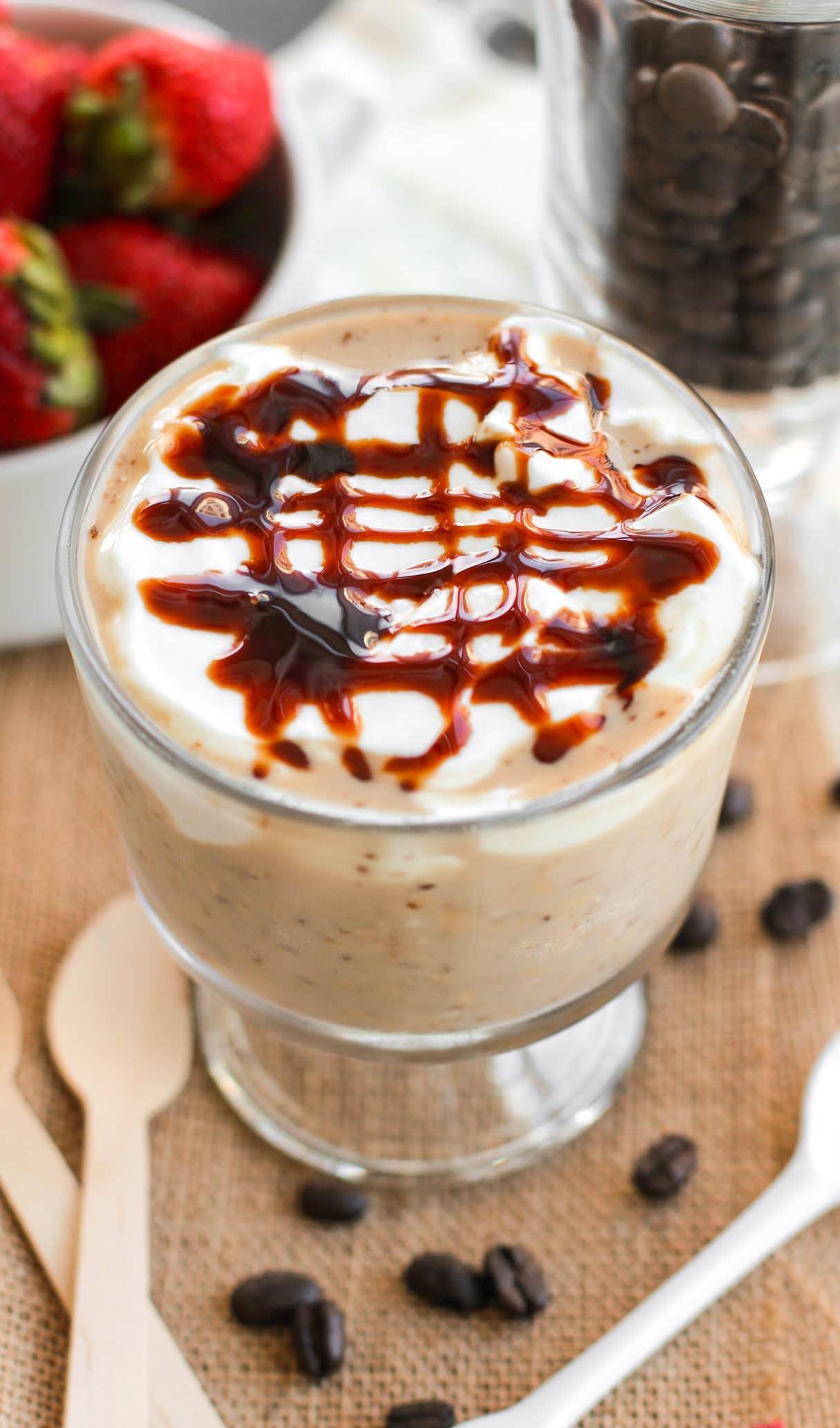 Healthy Caramel Macchiato Overnight Dessert Oats (low sugar, high fiber, gluten free, vegan) - Healthy Dessert Recipes at Desserts with Benefits