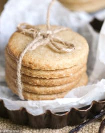 Healthy Shortbread Cookies recipe (refined sugar free, gluten free, dairy free, vegan) - Healthy Dessert Recipes at Desserts with Benefits
