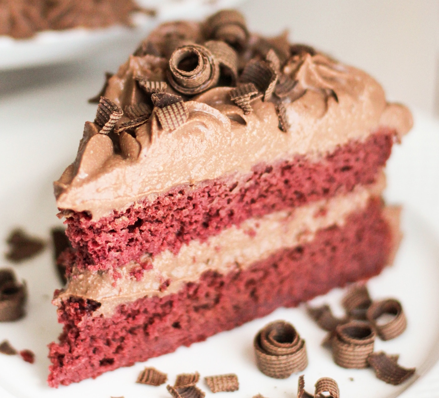 Healthy Vegan Red Velvet Cake with Chocolate Mousse Frosting (all natural, low sugar, high protein, high fiber, gluten free, dairy free) - Healthy Dessert Recipes at Desserts with Benefits