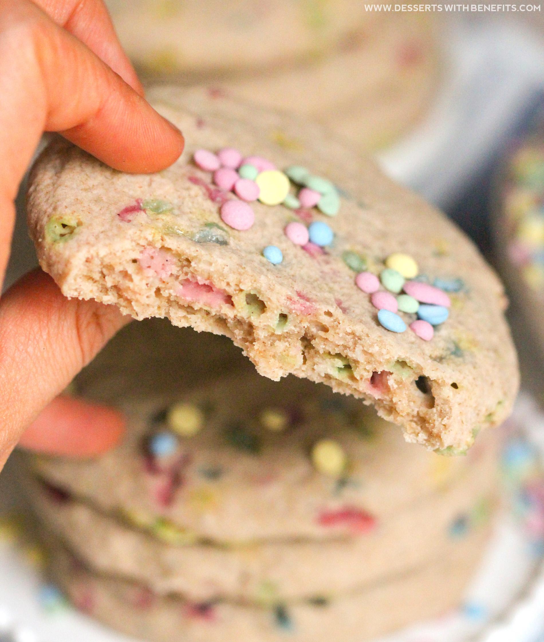 Healthy Funfetti Sugar Cookies recipe (all natural, sugar free, gluten free, dairy free, vegan) - Healthy Dessert Recipes at Desserts with Benefits