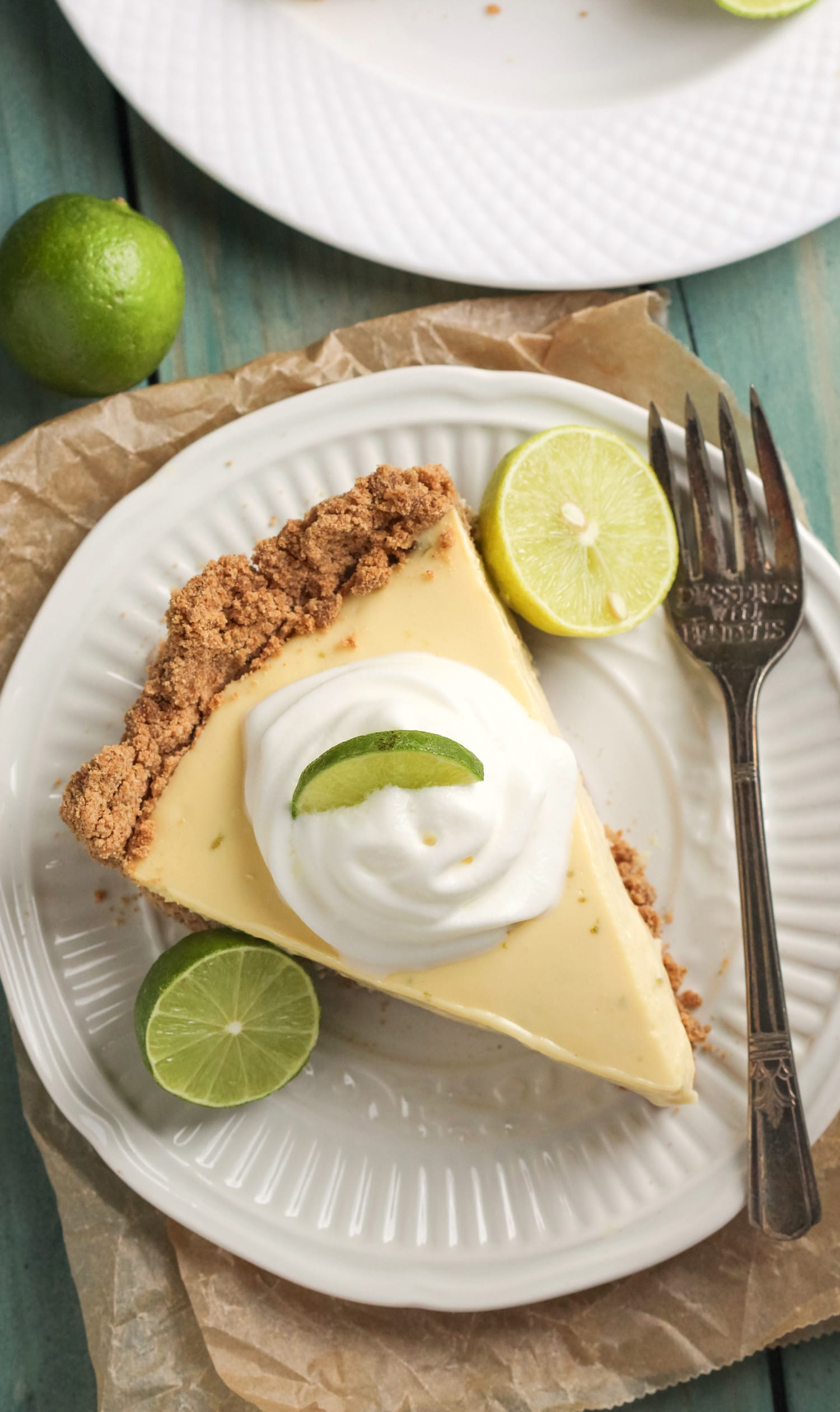 Ever dreamt of a Healthy Key Lime Pie without the healthy taste? Your prayers have been answered! It's got the perfect combination of tart and sweet, rich and creamy, and healthy and delicious! -- Healthy Dessert Recipes with sugar free, low calorie, low fat, high protein, gluten free, dairy free, and vegan options at the Desserts With Benefits Blog (www.DessertsWithBenefits.com)