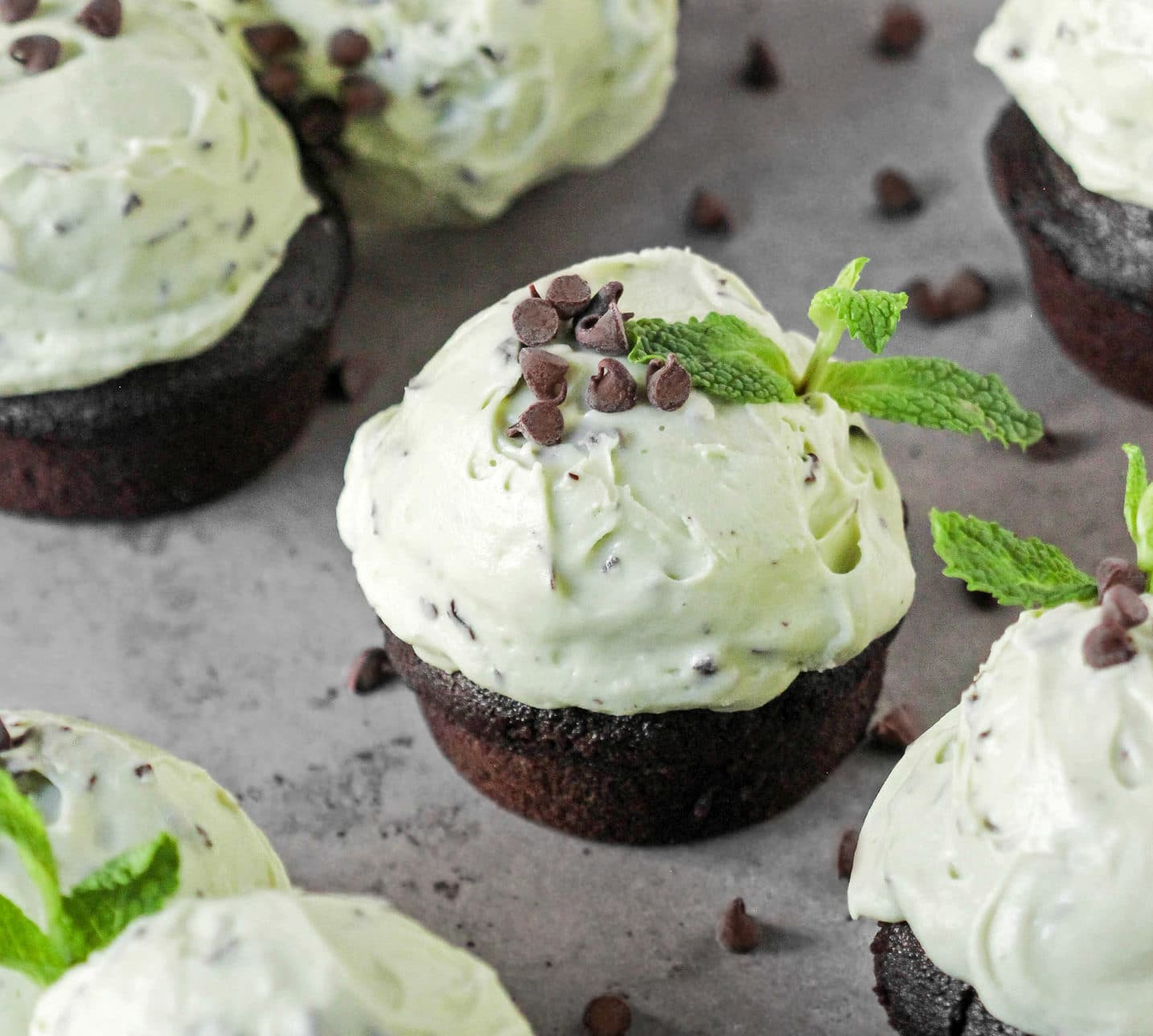 Mint-Chocolate-Cupcakes4-e1512925382624.