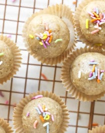 These 5-ingredient Cake Batter Energy Bites have got all the flavor of vanilla cake without the added sugar, butter, oil or eggs. Yep, these healthy no-bake energy bites are sugar free, gluten free, dairy free, and vegan.