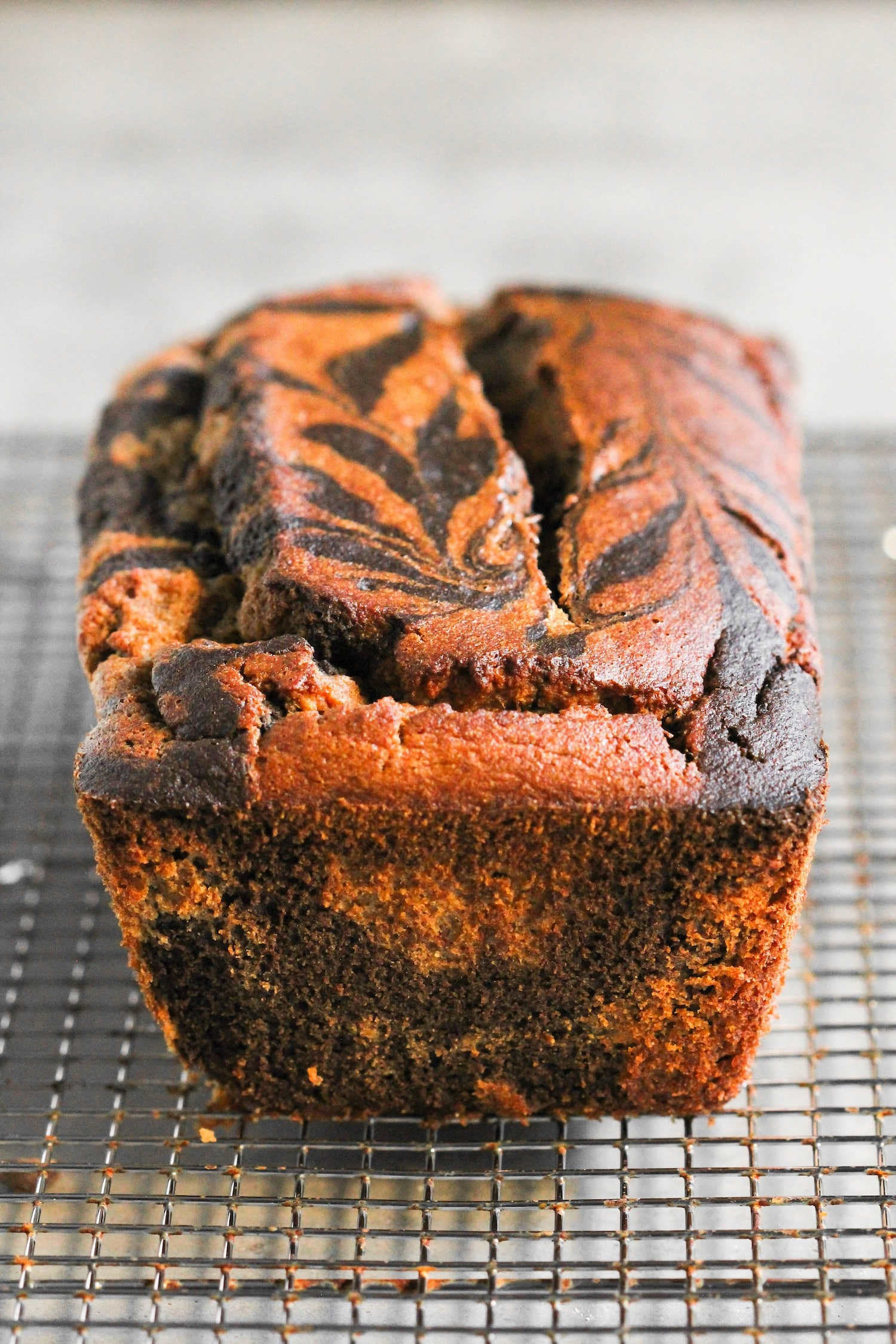 (How to make Marble Bread) This Marbled Chocolate Banana Bread is so moist, fluffy, springy, and sweet! It doesn't taste healthy, sugar free, gluten free, dairy free, high protein, or whole grain ONE BIT. It tastes like it's from a bakery!