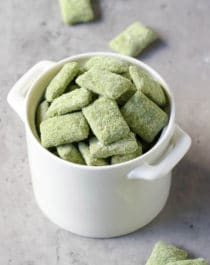 These Matcha Green Tea Muddy Buddies (Puppy Chow recipe) are the perfect, crunchy snack to satisfy the snack monster in you! Easy, no-bake, healthy, and sugar free too.